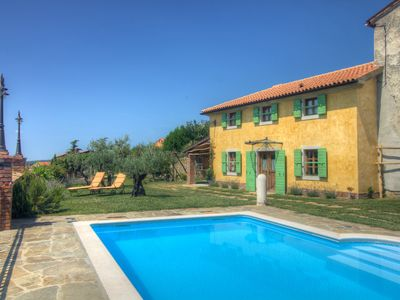 Photo for Rustic villa with a swimming pool. Decorated in traditional Istrian style.