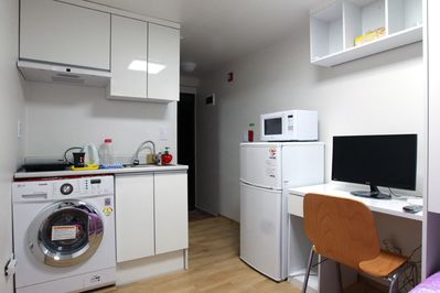 Budget&Clean studio near to Station