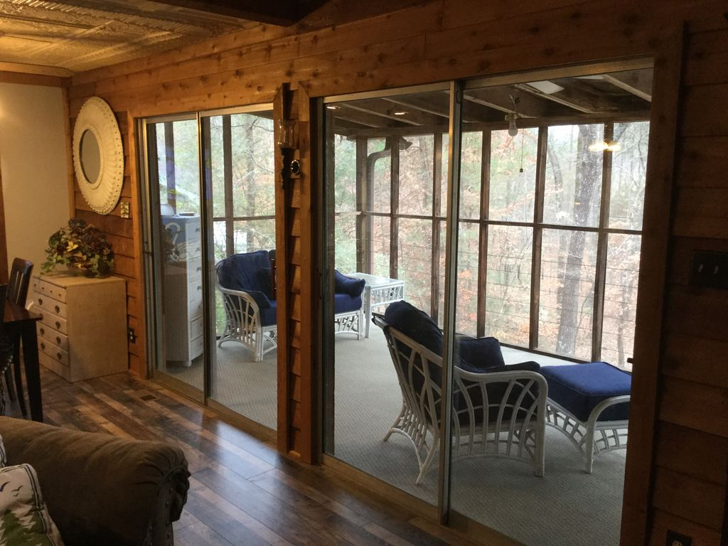 Awesome Lake Lanier Cabin Retreat 5 Bedroom 3 Bath With Party Dock Dawsonville North Georgia