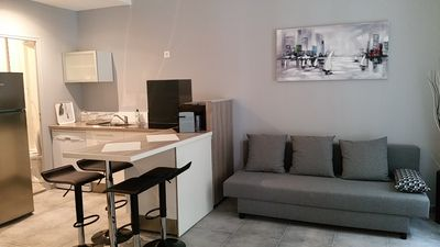 Photo for Apartment 35m² furnished contemporary center TOULON