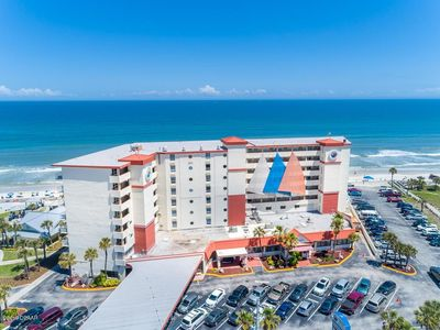 Photo for Daytona Beach Getaway For 2 with Direct Ocean View / Balcony and Netflix