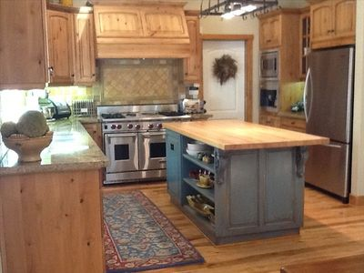 Dream Gourmet Kitchen -- Wolf stove, granite counters, coffee bar...ready to go.
