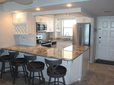 Photo for Angler's Cove 504K - Top Floor 2 Bed w/ Water Views!!