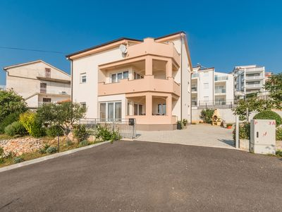 Photo for Holiday apartment with dishwasher and terrace with sea view