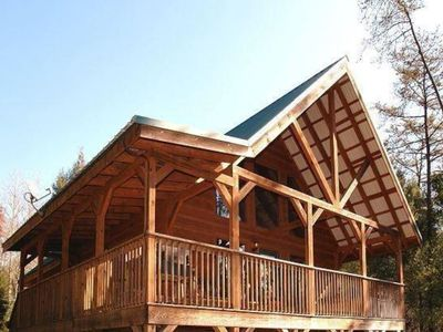 Rustling Waters Retreat: Enjoy Privacy, Hot Tub, Pool, Wifi, Cable TV, Nature