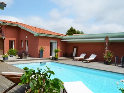 Photo for Tyrossaise villa with heated pool near ocean