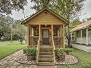 2BR House Vacation Rental in Martindale, Texas