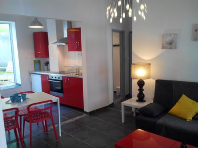 Photo for Arles - historic center - renovated T2 for 2 pers - private courtyard.