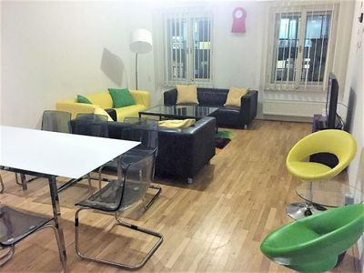 A great centrally located  air conditioned apartment that sleeps up to 8 guests. Free wifi and free