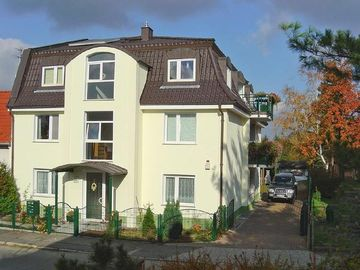 Vacation home Berlin for 3 - 4 persons with 2 bedrooms - Holiday apartment in one or multi-family house