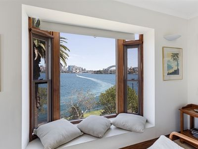 Photo for 2BR Apartment Vacation Rental in Cremorne Point, NSW