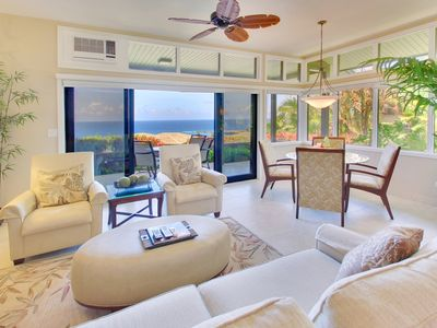 Photo for Elegant, upscale interiors, with extraordinary ocean views from every room!