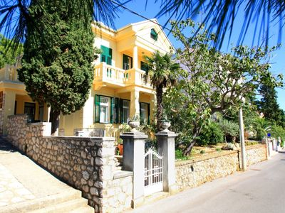 Photo for Holiday apartment 25 m from the beach, with air conditioning, sea view, satellite TV, Internet