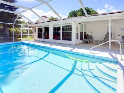 Photo for Parkdale Home, 4 bedrooms, Private Heated Pool, HDTV, WiFi, Sleeps 12