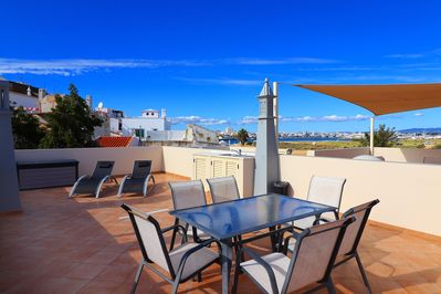 Roof terrace, panoramic views over the estuary