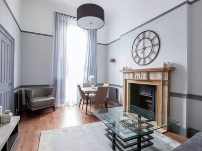 Photo for Amazing 1 bedroom flat in the heart of Mayfair