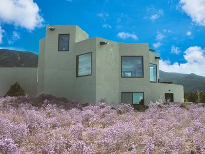Photo for Writer/artist/hikers. Magnificent Star House. Bring pooch. 10%off wk 40%off mo