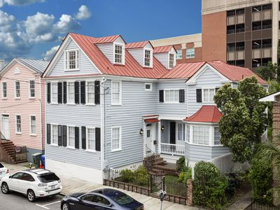 Large Home Downtown Charleston - 1 mile from King Street