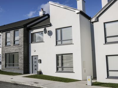 Photo for 7 Cnoc na Ri, STRANDHILL, COUNTY SLIGO