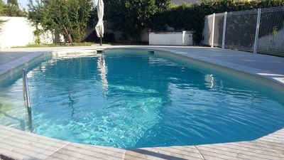 Photo for Family house with swimming pool near Avignon 6 rooms