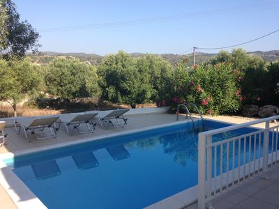 Photo for Superb detached villa with private pool in a quiet location