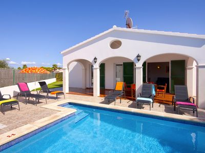 Photo for Fully air-conditioned villa with private pool set close to sea, shops and marina