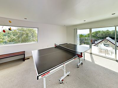Game Room - Ping Pong tournament, anyone? The third floor game room awaits!