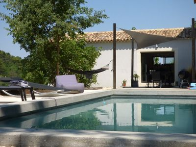 Photo for Luberon, Ménerbes, air conditioned modern villa, pool, 4 bedrooms, 8 pers