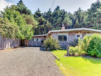 Photo for Beautiful coastline home w/ private hot tub, gourmet kitchen, easy beach access