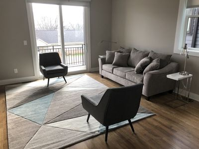Photo for NEW LISTING! 4 Bedroom/4 Bath. $8-$10 UBER to Broadway!