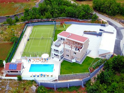 Photo for Villa Seven Lakes - heated pool, cinema, tennis, hot tub,