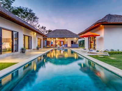 Photo for Amazing villa with 4 bedrooms in Ungasan
