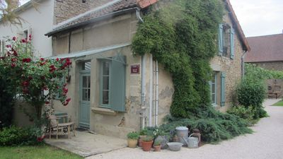 Photo for Cottage 4 people in the heart of Burgundy, heated pool and petanque