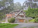 4BR Country House / Chateau Vacation Rental in Montara, California