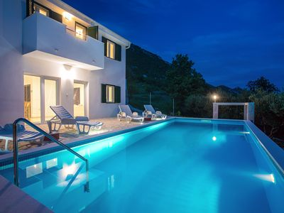 Photo for Villa Panoramica with private heated pool and perfect privacy for 10 persons.