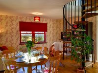 An ideal cottage with a very friendly and helpful owners who were on hand to provide any information