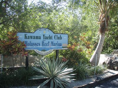 Entrance to Kawama Yacht Club/Molasses Reef Marina
