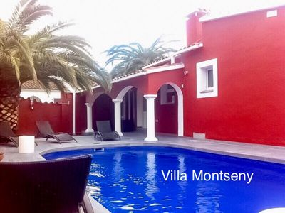 Photo for Beautiful modern villa with heated pool and wifi in Empuriabrava