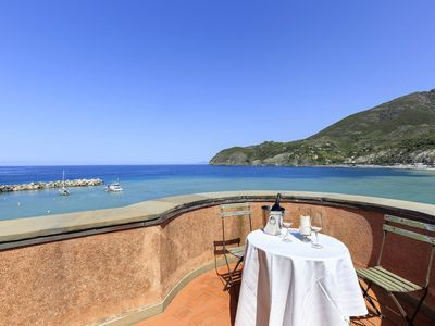 Photo for Villa del Pontile i a wonderful property sea front with direct access to the beach 7 bedrooms host u