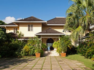 Photo for Luxurious 5 Bedroom Villa on Private Beach with Tennis Court