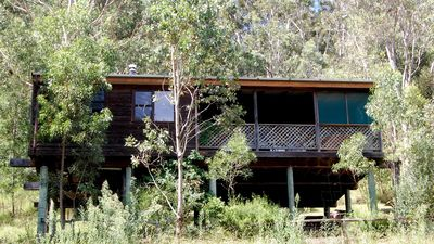 Photo for Bluegum Cottage - Private jacuzzi , very private bush views.