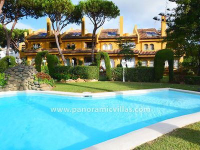 Photo for 4 bedroom Villa, sleeps 9 in Cabopino with Pool, Air Con and WiFi
