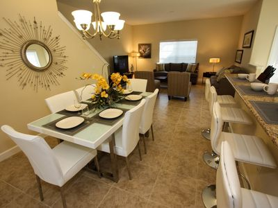Great dining area seats 10 with stools