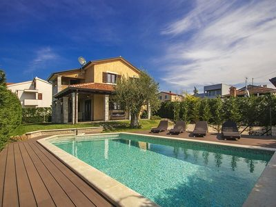 Photo for Holiday house Vabriga for 6 persons with 3 bedrooms - Villa