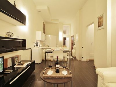 Photo for Malespini apartment in Duomo with WiFi, integrated air conditioning & lift.