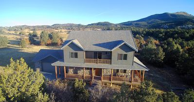 Photo for Beautiful very clean home next to Zion Ponderosa Resort.