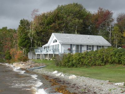 Oceanfront:The shore immediately in front of the house offers spectacular views!