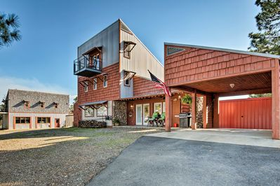 Book a trip to this unique 3-bedroom, 3-bath vacation rental cabin for 6.