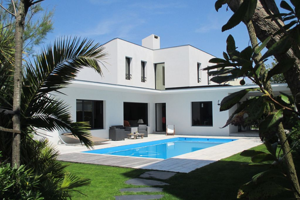 beautiful modern villa with heated pool near: sea, golf, tennis and ...