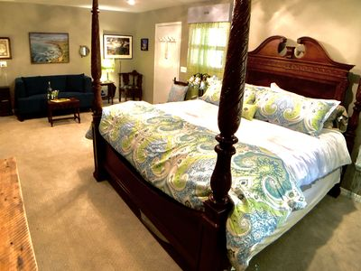 Photo for Dragonfly Villa, King Bed, Flat Walk to Downtown, MID WEEK SPECIAL Landscaped Retreat, Creek, WIFi,